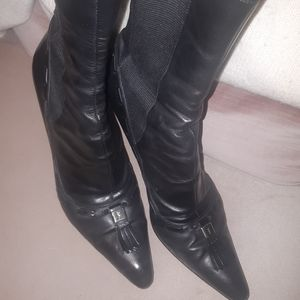 Yves Saint Laurent black boots 38.5